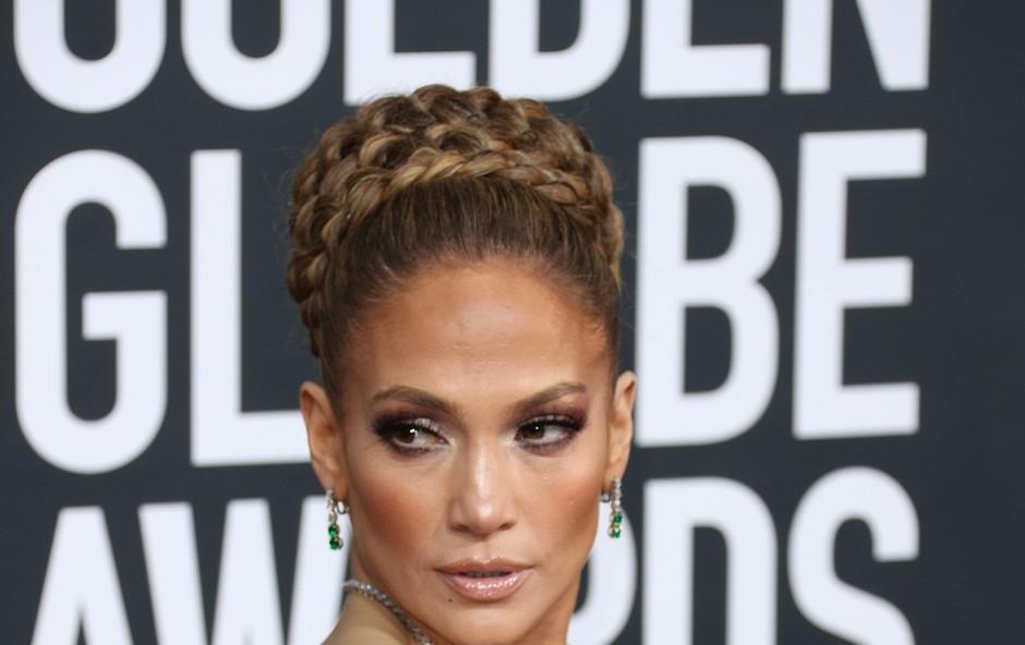 Jennifer Lopez osupnila v usnjenih kratkih hlačah, v katerih je videti izjemno vroče! (foto: Profimedia)