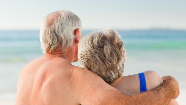 """Pri katerih letih naj bi se """"spodobilo"""" nehati seksati? (foto: Profimedia)"""