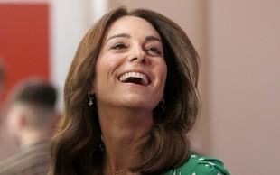 Kate Middleton tudi na video klicih ostaja prava modna ikona, poglejte si kaj nosi v času koronavirusa