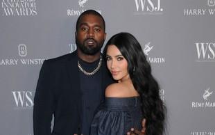 Težave v raju: Kim Kardashian in Kanye West živita vsak v svojem delu vile, prepirata se po ves dan