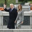 Po dveh mesecih se je Melania Trump vrnila k službenim obveznostim: Elegantna je kot vedno!