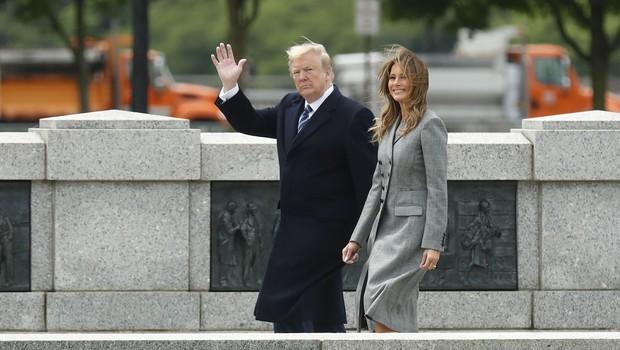 Po dveh mesecih se je Melania Trump vrnila k službenim obveznostim: Elegantna je kot vedno! (foto: Profimedia)