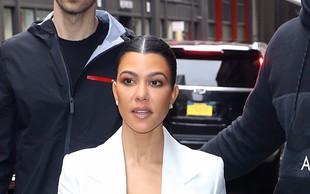 Kourtney Kardashian pokazala trebušček, številni so takoj pomislili, da je noseča