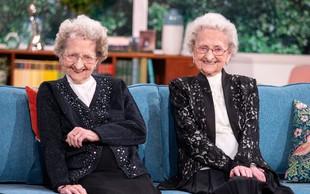 """95-letni dvojčici o skrivnosti dolgega življenja: """"Le veliko seksa!"""""""