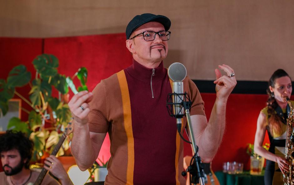 Vsestranski glasbenik Rudolf Gas predstavlja nov videospot za pesem You should fly (foto: Arhiv)