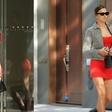 Irina Shayk na ulico prišla v tako kratki obleki, da bi skoraj pokazala golo zadnjico