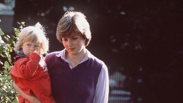 Na dan je prišlo, kako je princesa Diana z dvora nagnala varuško njenih sinov, Williama in Harryja. Vzrok? Ljubosumje! (foto: Profimedia)