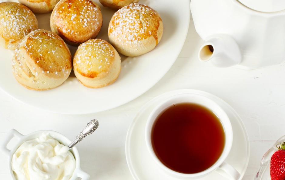 Odlični kolački z rabarbaro in jagodami: Priprava je hitra in preprosta, rezultat pa nadvse okusen! (foto: Foto: Shutterstock)