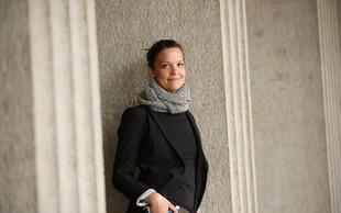 Gledališka igralka Ajda Valcl opozarja: Ženske se s šovinizmom še vedno identificiramo