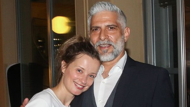 Poglejte si, kako zaljubljeno sta se stiskala Ajda Smrekar in Sebastian Cavazza (foto: Facebook/MGL)