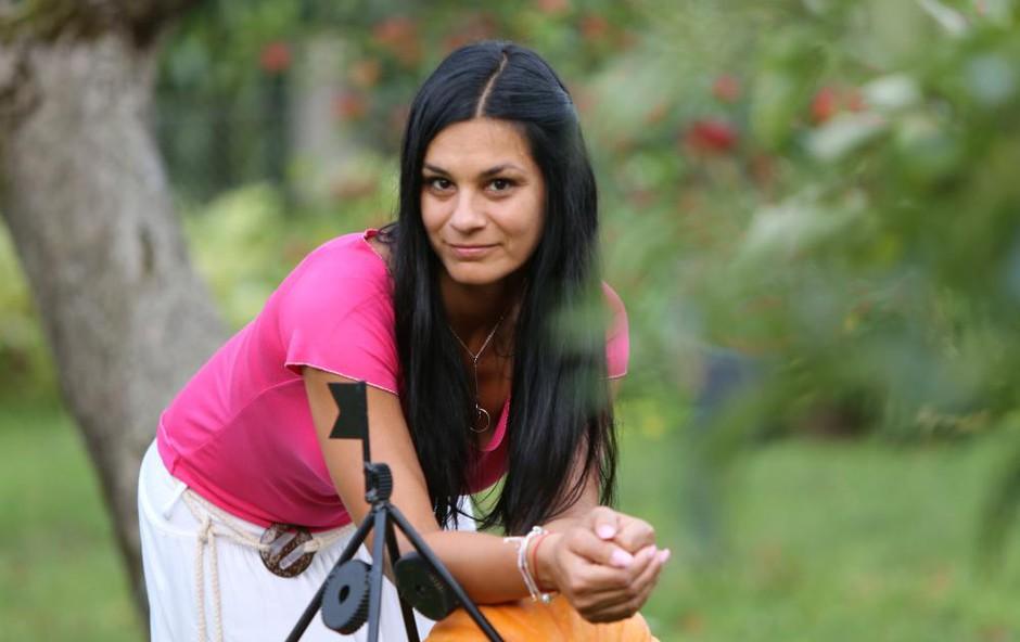 To pa so dame in pol: Renata Bohinc v družbi hčerk je prizor treh lepotic na kupu! (foto: Helena Kermelj)