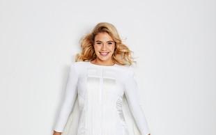 Anamaria Goltes v poletni oblekici, ki bi si jo v svoji omari želela vsaka, saj odlično pristoji vsem postavam
