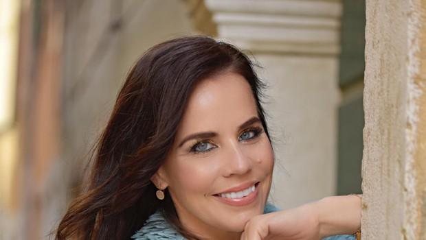 Lorella Flego z brezčasnim jesenskim stajlingom pokazala, kaj je prava eleganca: To boste hotele imeti v omari (foto: ZEN)