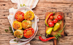Polnjene paprike po receptu Ane Žontar Kristanc