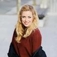 Ana Tavčar Pirkovič zablestela v čudovitem jesenskem kosu in se razveselila lepega darila