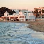 Plažo v Cadizu izkoristite tudi za nočno kopanje. (foto: Foto: Profimedia)