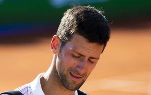 Novak Đoković diskvalificiran, potem ko je z žogico zadel linijsko sodnico v vrat