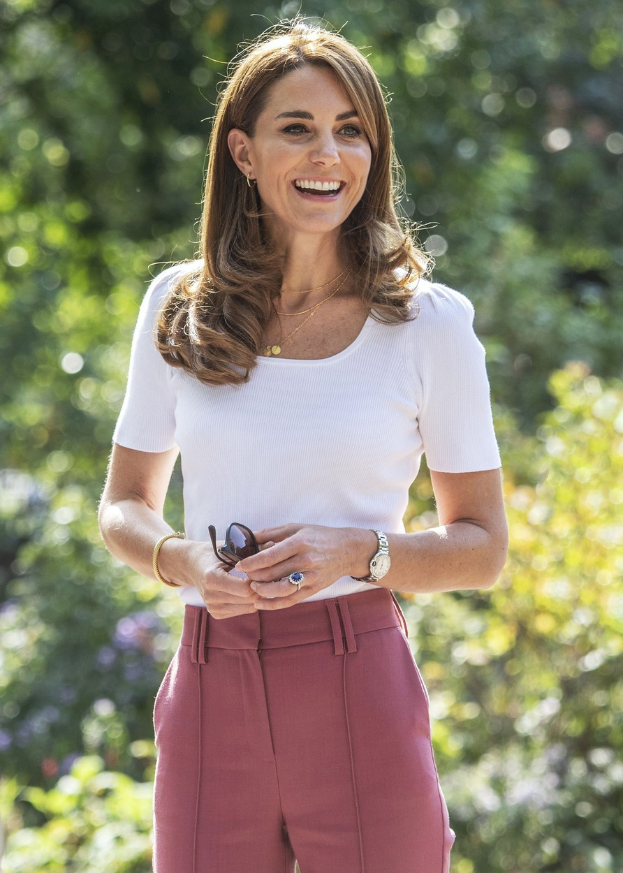 To je TRIK ZA 7€, zaradi katerega je Kate Middleton lahko ves čas v visokih petkah (foto: Profimedia)
