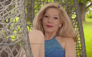 Jacqueline iz Ljubezni po domače ni več zaročena, zdaj se stiska v objem tega lepotca