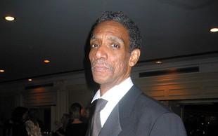 Strelnim ranam podlegel igralec Thomas Jefferson Byrd