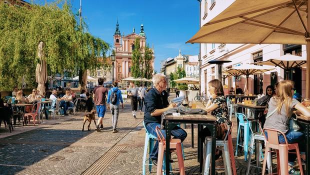 Se Slovenija že v četrtek zapira in uvaja karanteno? (foto: Shutterstock)