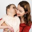 Znana Slovenka sporočila žalostno novico, poslovila se je njena hčerkica