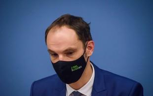 Minister Logar pred izidom testa v Narodno galerijo, direktorica v samoizolacijo