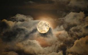 Prihaja polna luna na noč čarovnic! Pa nas luna res dela nore?