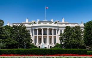 Trump in Biden pospešeno nagovarjata volivce pred torkovimi volitvami