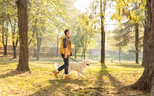 Nasveti strokovnjaka, kako naj tudi med epidemijo in delu od doma poskrbimo za telesno aktivnost