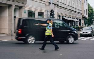 V Šoštanju 24-letni moški z zračno puško poškodoval policistko