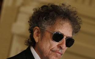 Več dokumentov Boba Dylana so na dražbi prodali za skoraj pol milijona dolarjev