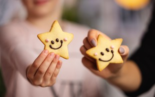 HOFERjevi Nasmeškotki pomagajo dijakom Botrstva