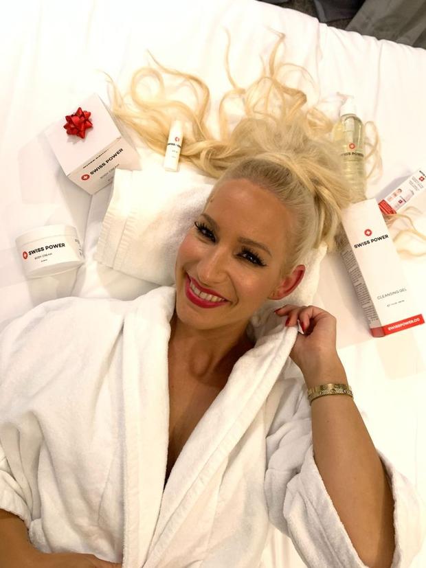 To je naravna kozmetika proti staranju kože, na katero prisega pevka Alya (foto: Promocijsko gradivo)