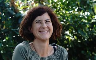 Spoznajte ustvarjalko Katjo Goljevšček, ki izdeluje lesene figurice z osebnostjo