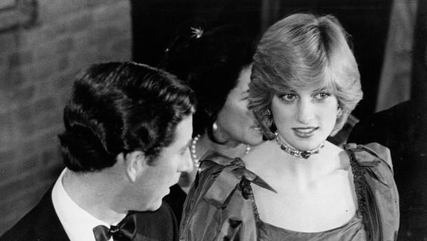 Princesa Diana je bila nadvse pogumna, ko je šlo za kršenje protokola: Poglejte si stajling, s katerim je šokirala kraljico Elizabeto! (foto: Profimedia)