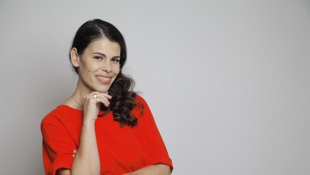 Ana Maria Mitić si je privoščila to razkošje, s svojo novo podobo pa je izjemno zadovoljna - upravičeno! (foto: Aleksandra Saša Prelesnik)
