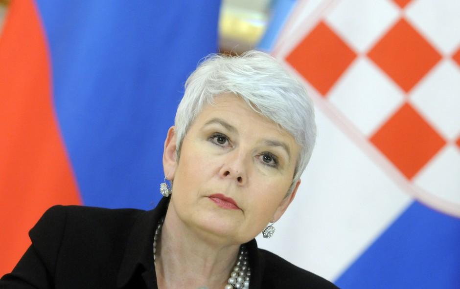 Znana političarka objavila fotografijo v mini krilu in močno navdušila (foto: Profimedia)