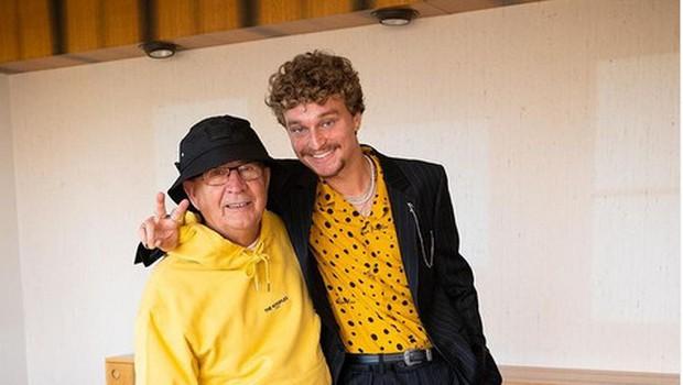 Kako je 75-letni Alojz postal Instagram zvezda z milijon sledilci (in kaj ima njegov vnuk s tem)