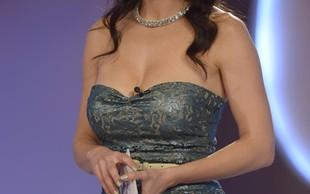 Lili Žagar je nekoč nosila tako drzen dekolte, da so obline bežale na vse strani
