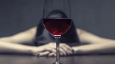 """""""Pila sem, da bi mi bilo lažje, ko pa sem padla v alkoholizem, nisem hotela več živeti!"""""""