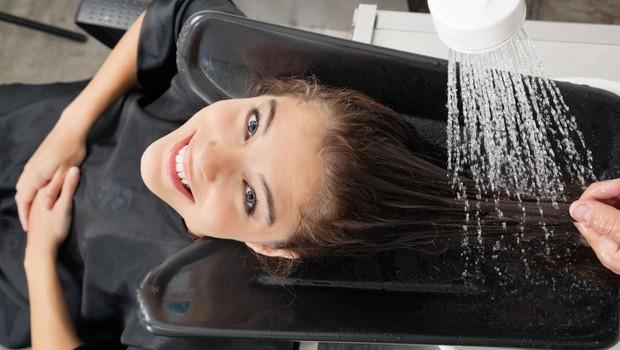Stroka pravi, da je postalo pranje las za mnoge svojevrstna terapija