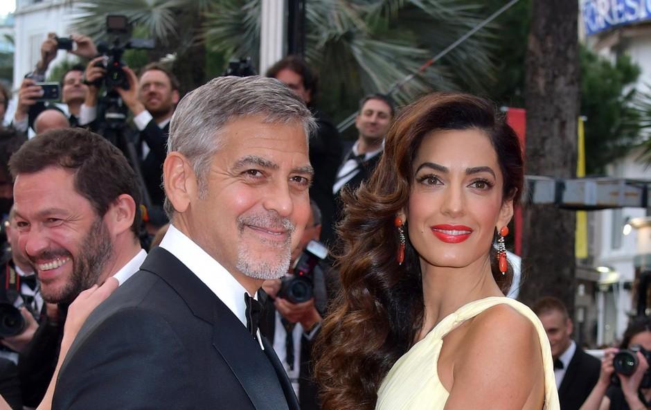 George Clooney in soproga Amal naj bi kupila manjši grad v bližini Saint Tropeza. (foto: Foto: Profimedia Profimedia)
