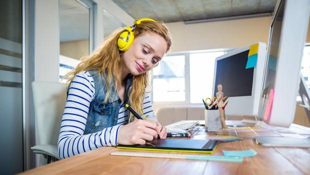 Ta glasba vam lahko pomaga pri delu (povečuje inteligenco in storilnost)
