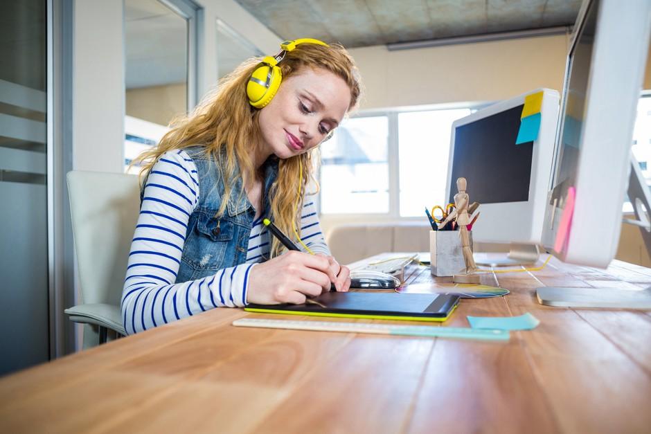 Ta glasba vam lahko pomaga pri delu (povečuje inteligenco in storilnost) (foto: PROFIMEDIA)