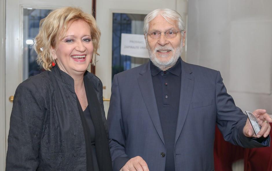 Ste že videli taščo Borisa Cavazze? Gospa je nadvse očarljiva in še kako vitalna! (foto: mediaspeed.net)