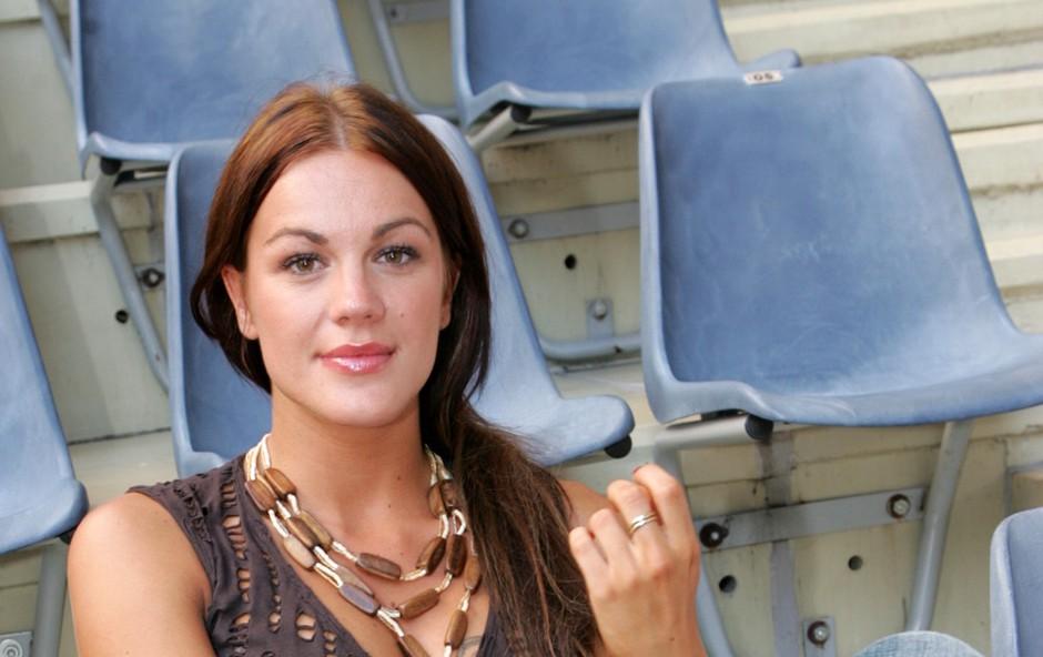 Rebeka Dremelj se je tega zelo razveselila, bila je razigrana kot majhna deklica (foto: mediaspeed.net)