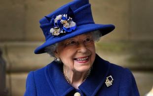 Britanska kraljica v javnosti pri hoji uporabljala palico
